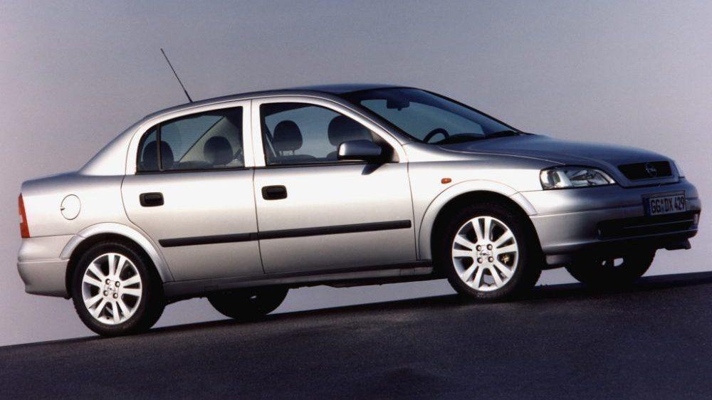 Opel Astra Sedan | autofakty.pl