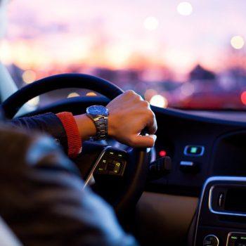 młody kierowca